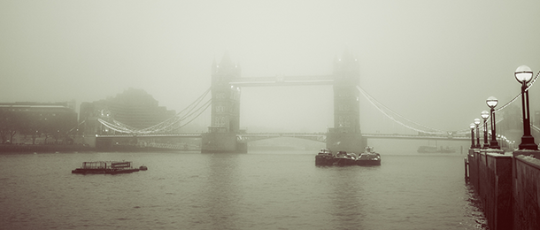 Living on earth london fog the biography london bridge on a foggy day photo stu mayhew flickr cc by nc nd 20 solutioingenieria Images